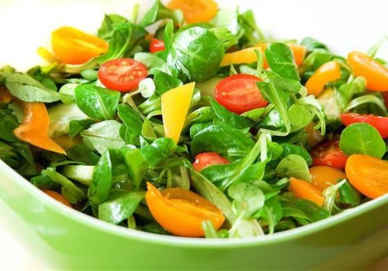 Свежий овощной салат