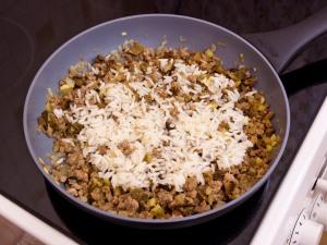 Цуккини, фаршированные мясом, грибами и рисом