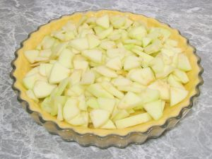 Яблочный пирог с кедровыми орешками
