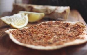 Лахмаджун — аппетитнейшая лепешка с мясом