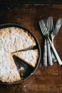 Тертый пирог с джемом «Мишки на поляне»