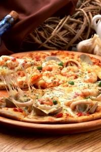 Тонкое тесто для пиццы, которое пригодится в хозяйстве
