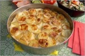 Баклажаны печеные с картофелем и яйцом