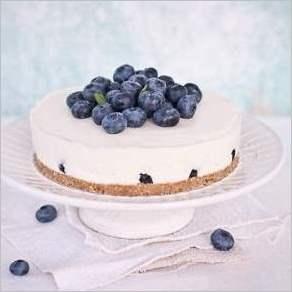 Черничный йогуртовый торт без выпечки