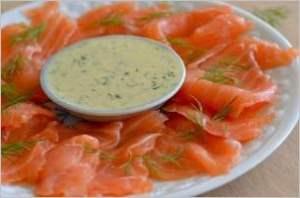 Домашний засоленный лосось с соусом из укропа и горчицы
