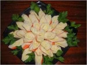 Хризантема из крабовых палочек