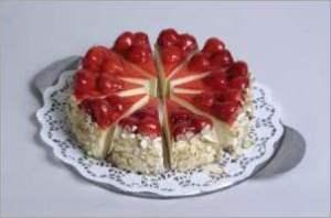 Клубничный торт с сыром