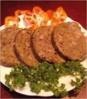 Печёночная колбаса домашнего изготовления