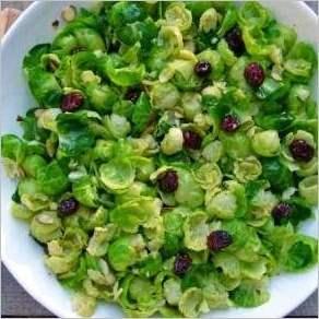 Салат с брюссельской капустой и заправкой из цитрусовых