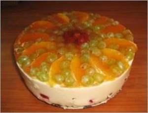 Сливочно творожный торт с фруктами