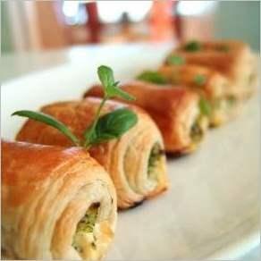 Слоеные роллы с сыром фета и брокколи