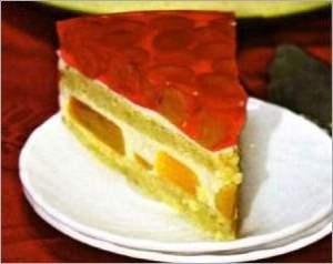 Торт с персиком и виноградом
